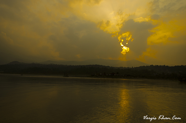 sunset-at-sundernagar-lake.JPG