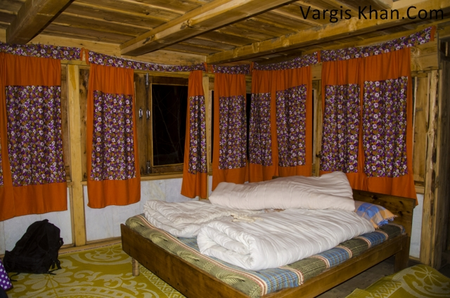 room-at-shirangi-vatika.jpg