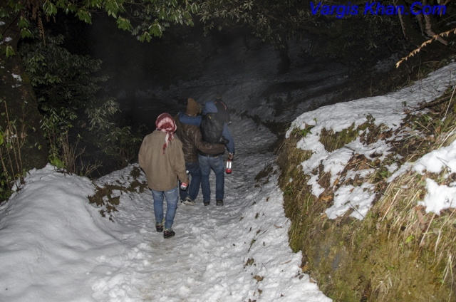 Night-Trekking-To-Deoria-Taal-14.JPG