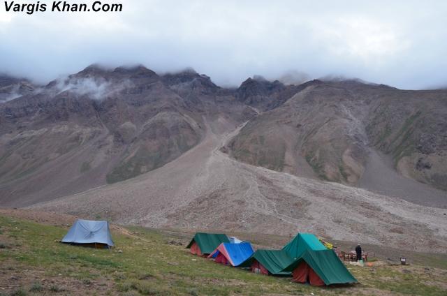 camp-at-chandrataal-1.JPG