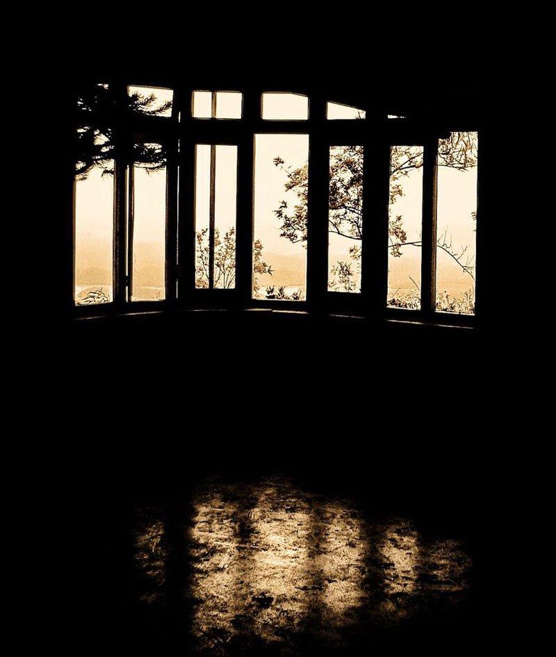 bonacaud-haunted-bungalow-1.jpg
