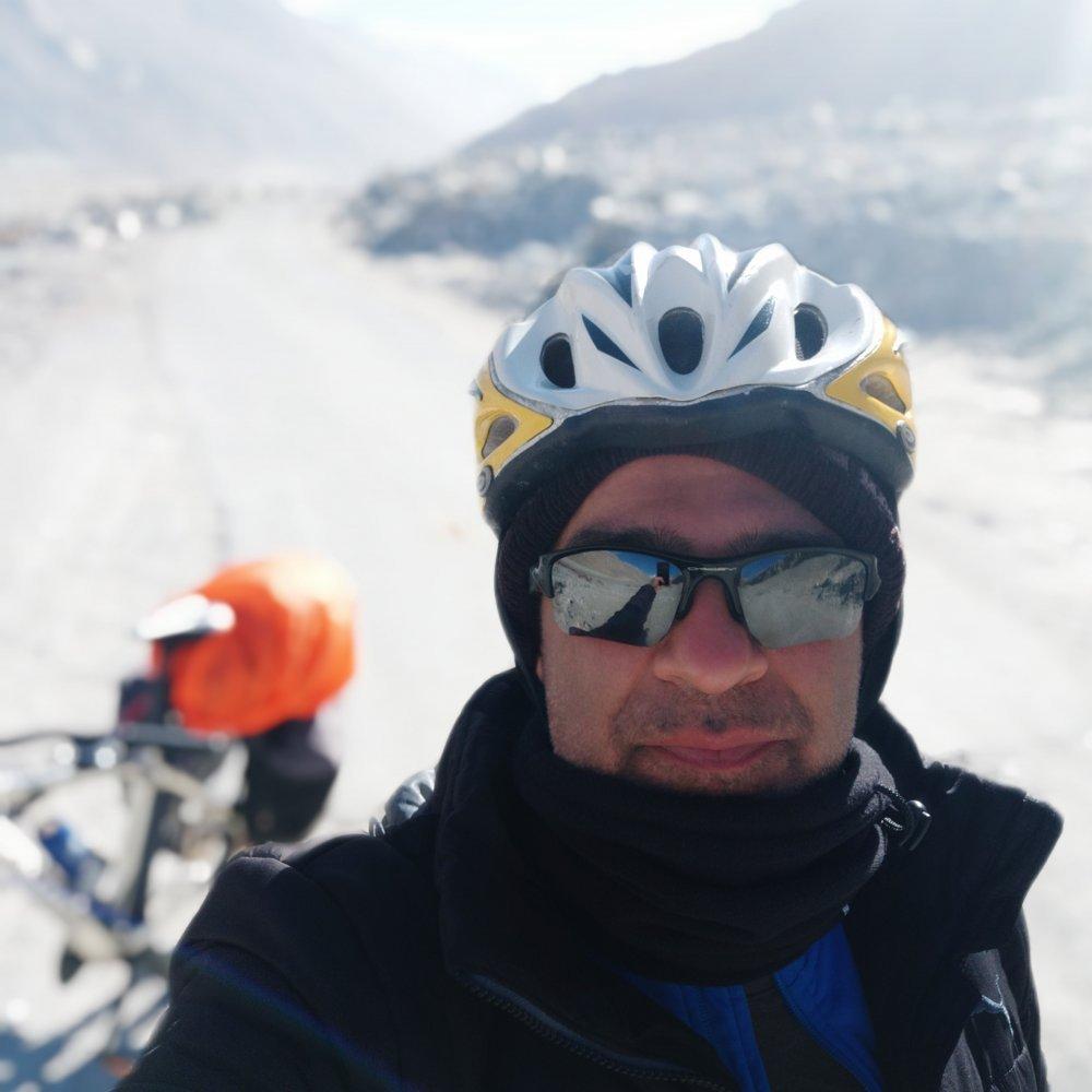 leh-to-pangong-lake-cycling-19.jpg
