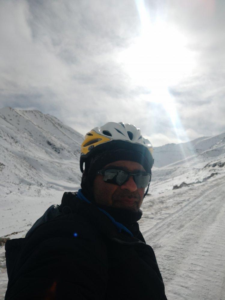 leh-to-khardungla-cycling-7.jpg