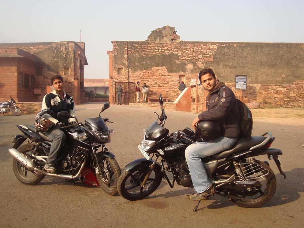 delhi-to-agra-bike-trip-2.jpg
