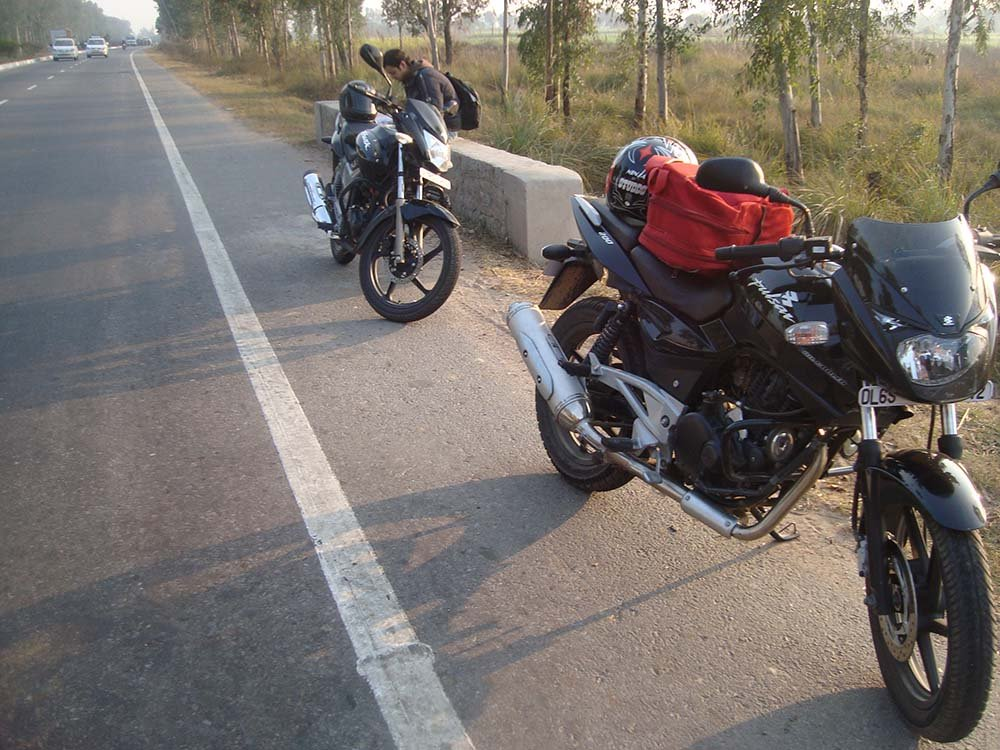 delhi-to-agra-bike-trip-8.jpg